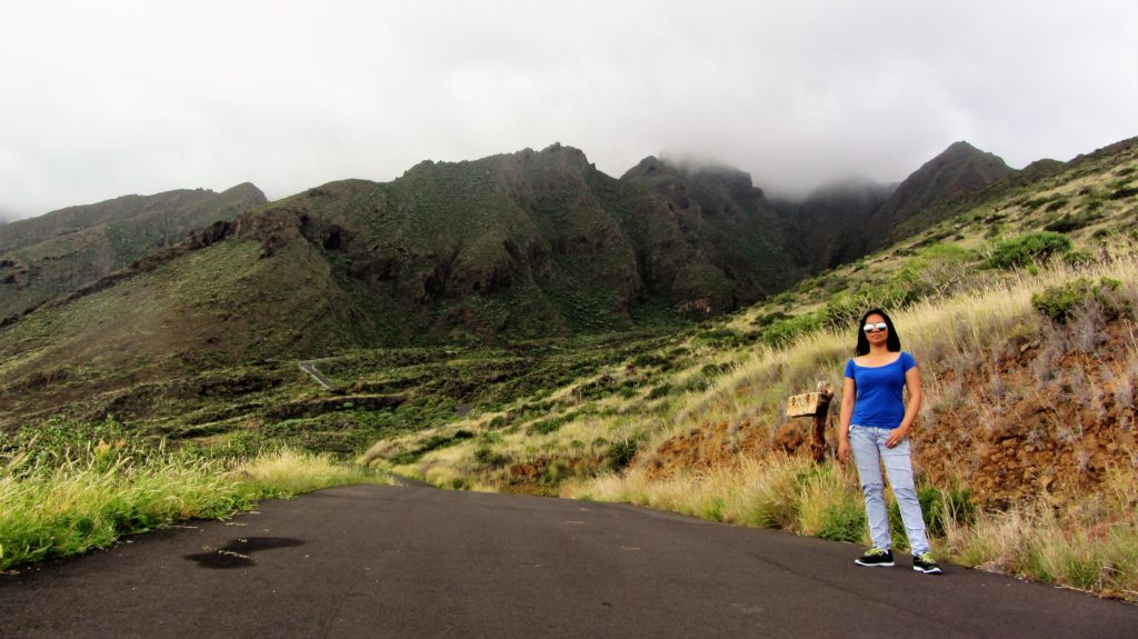 This road will take us right up above the clouds. I did not know what situation I went to LOL