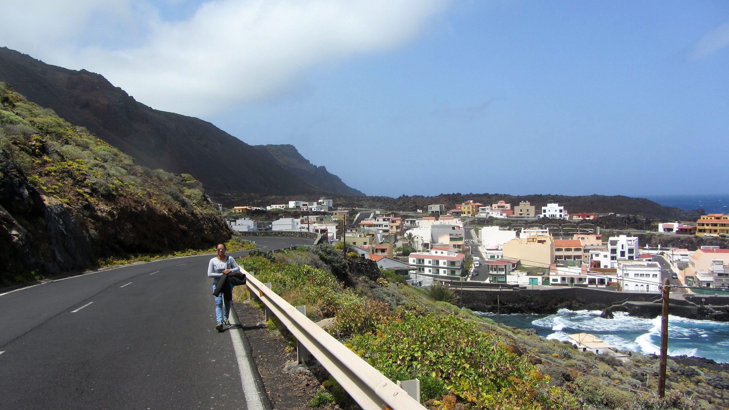 Walking from Tamaduste Village