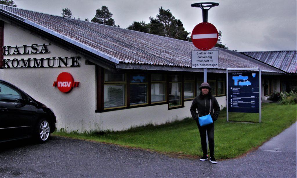 The town hall of Halsa Kommune on a rainy midsummer morning