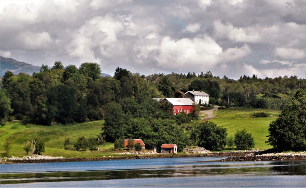 A farm across the fjord