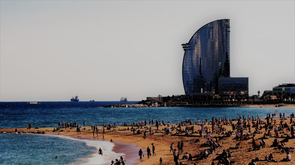 A modern metropolis with a marvelous beach